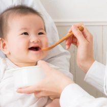赤ちゃんの便秘解消に役立つ食べ物と月齢別離乳食レシピ!